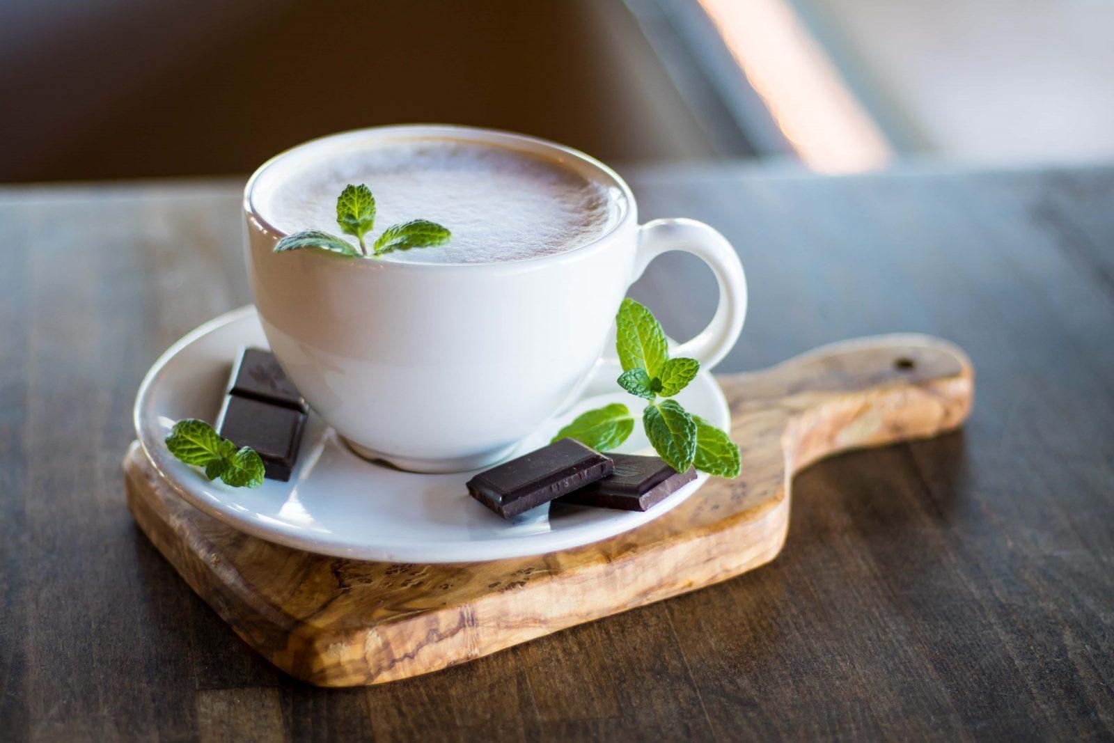 Можно ли пить кофе при кормлении грудью?