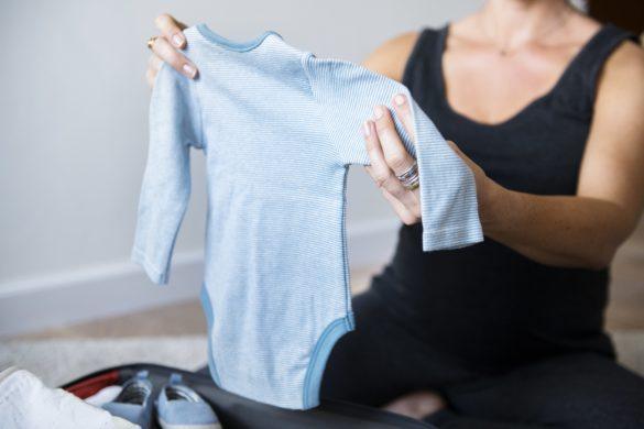 Что взять с собой в роддом: готовим вещи для себя и новорожденного