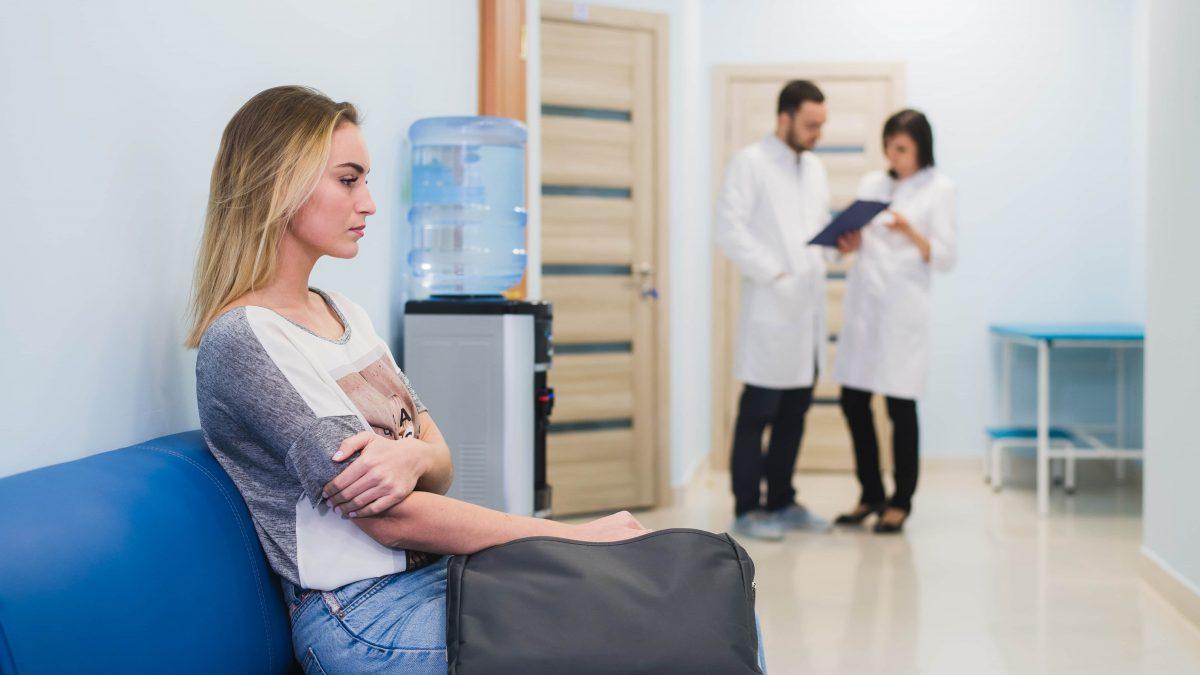 Почему развивается внематочная беременность при ЭКО, и как её заподозрить?