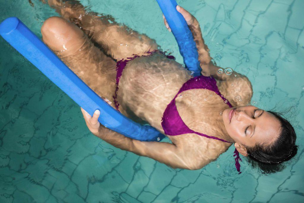 Роды в воду: насколько это безопасно?
