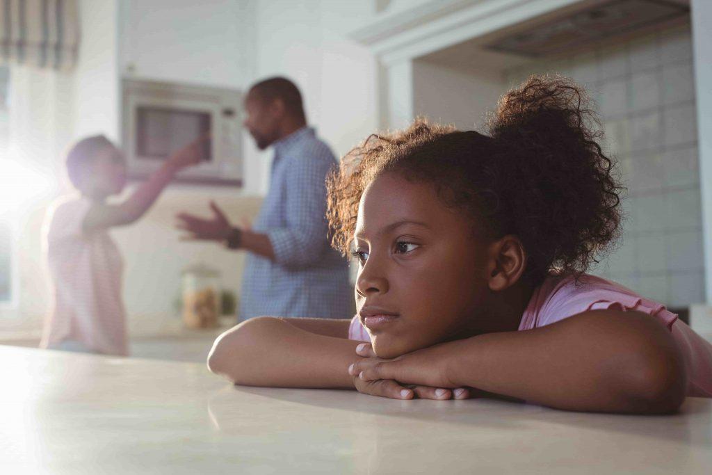 Развод родителей: как его пережить и как общаться с ребенком?