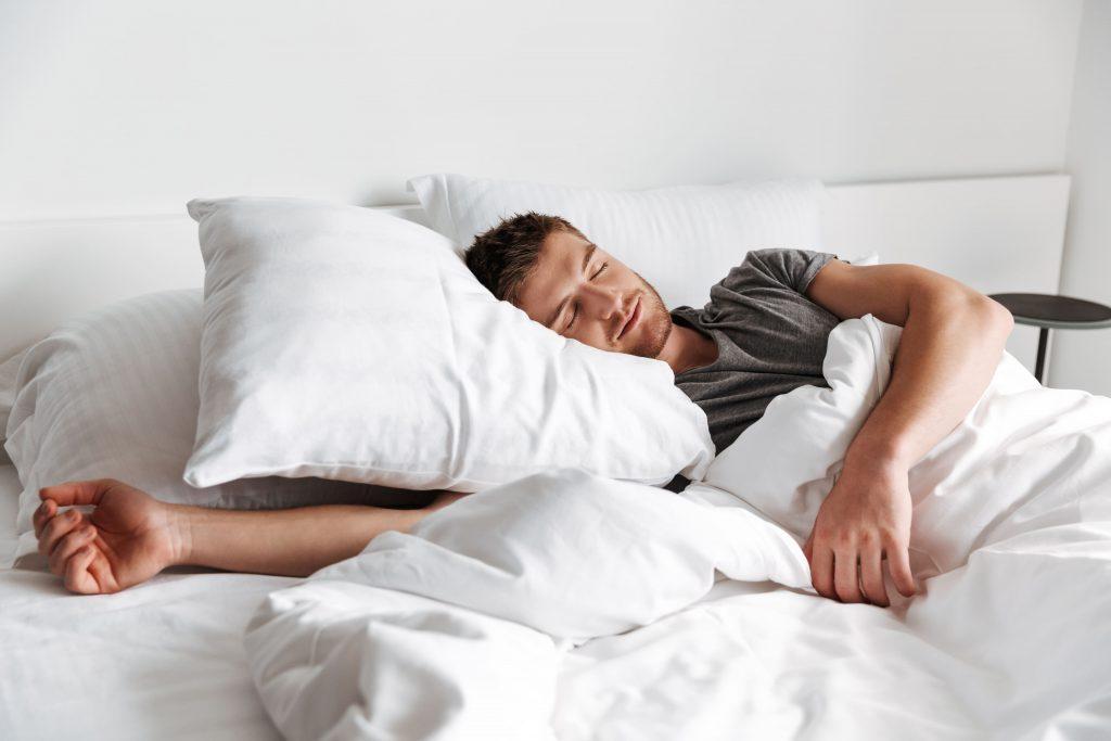 Почему мужчине необходимо полноценно спать? Ночной сон и его связь с мужскими заболеваниями