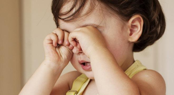 Народные средства, которые применяются, когда у грудничка гноится глазик